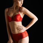 RED SOUTIEN GORGE AMPLI + SHORTY