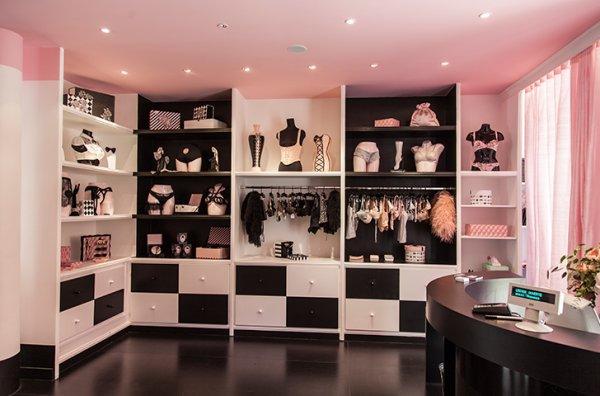 le boudoir ph m re de chantal thomass le blog lingerie. Black Bedroom Furniture Sets. Home Design Ideas